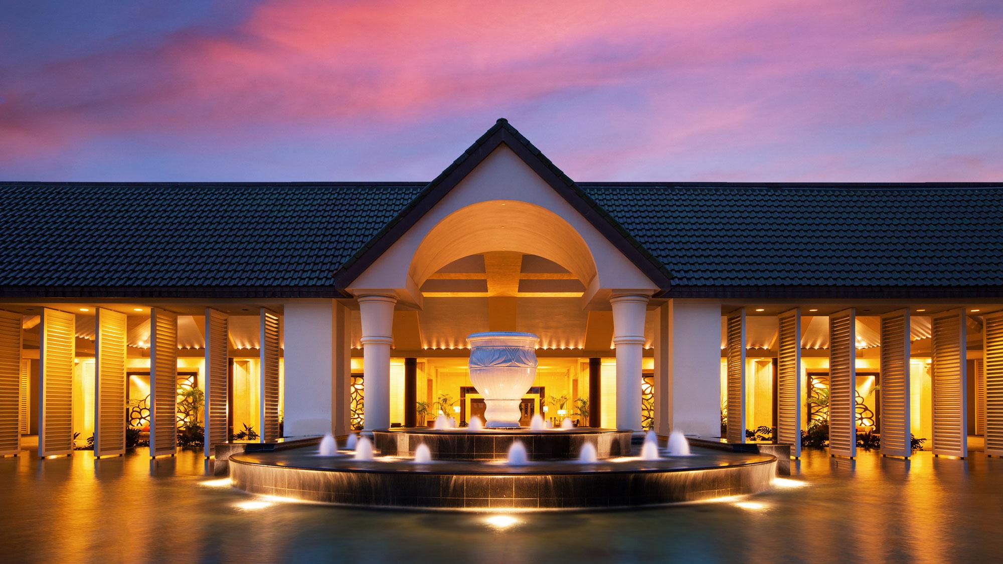 Starwood Capital buys Princeville Resort, plans 1 Hotels rebranding
