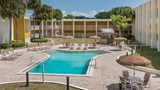 Days Inn & Suites Clermont Pool