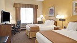 Wingate by Wyndham Houston IAH Airport Room