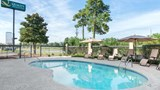 Quality Inn & Suites Savannah North Pool