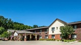 Quality Inn & Suites - Decorah Exterior
