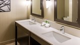 Holiday Inn Express Vancouver Metrotown Suite