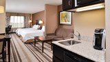Holiday Inn Express & Stes Emporia NW Suite