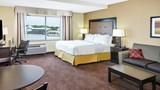 Holiday Inn Express & Suites Sandusky Room