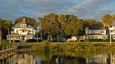 Night Swan Intracoastal Bed & Breakfast