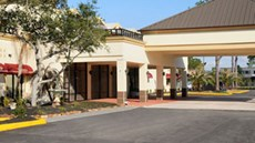 Monarchy Hotel & Suites Houston