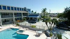Dockside Inn & Resort