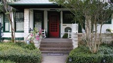 Granbury Gardens Bed & Breakfast