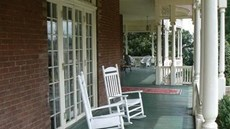 The Carriage House Inn Bed & Breakfast