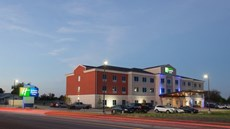 Holiday Inn Express & Suites Gatesville