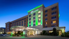 Holiday Inn and Suites-Oklahoma City Apt
