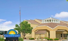 Days Inn - St. Louis/Westport MO