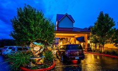 Best Western Plus Loveland Inn