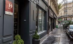 Hotel Hibiscus Republique Paris France Hotels Gds Reservation