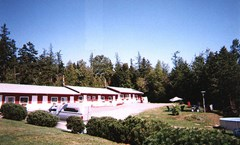 45th Parallel Motel
