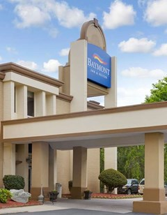 Baymont Inn & Suites Charlotte Airport