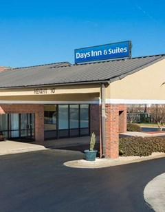 Days Inn & Suites Rocky Mount