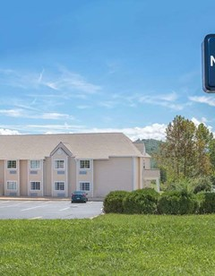 Microtel Inn & Suites Franklin