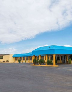 Days Inn & Suites Clovis