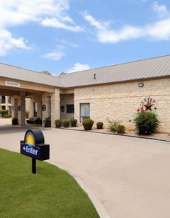 Days Inn & Suites Llano