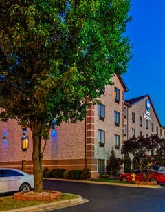 Best Western Inn & Suites Midway Airport