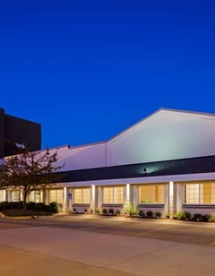 Best Western Plus  Longbranch Hotel