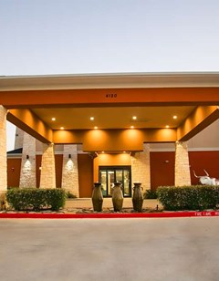 Best Western Plus Luling Inn