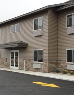 Canby Inn And Suites