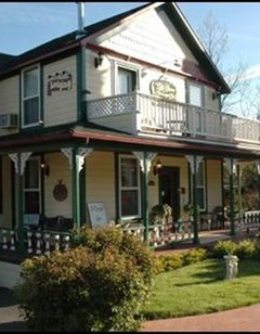 The All Seasons Groveland Inn