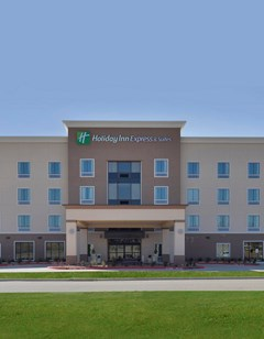 Holiday Inn Express & Suites Forrest Cit