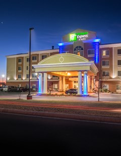 Holiday Inn Express & Suites Elk City