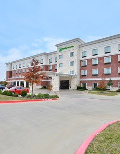 Holiday Inn & Suites McKinney-Fairview