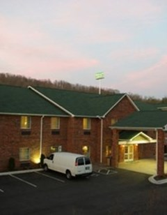 Mountain Inn & Suites Airport