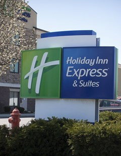 Holiday Inn Express & Suites Youngstown