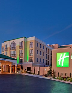 Holiday Inn Hotel & Suites  I-44