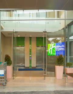 Holiday Inn Express Semarang Simpang