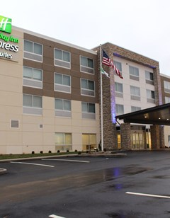 Holiday Inn Express & Suites Marietta