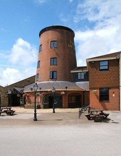Windmill Farm Hotel (Lincoln)