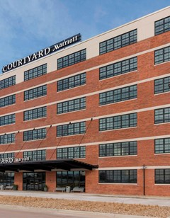 Courtyard Waterloo Cedar Falls