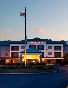 Courtyard Columbus Tipton Lakes