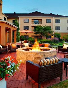 Courtyard by Marriott Columbus Airport