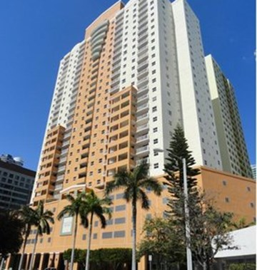 Fortune house hotel first class miami fl hotels gds for 185 se 14th terrace miami fl 33131