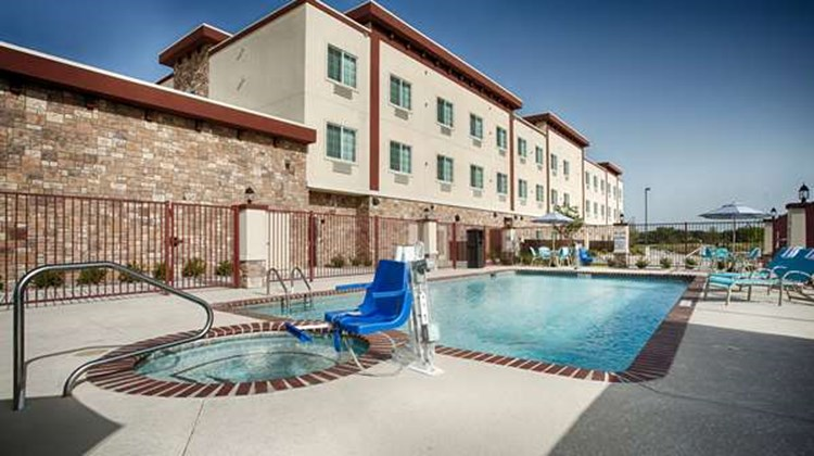 Best Western Plus Forest Hill Pool
