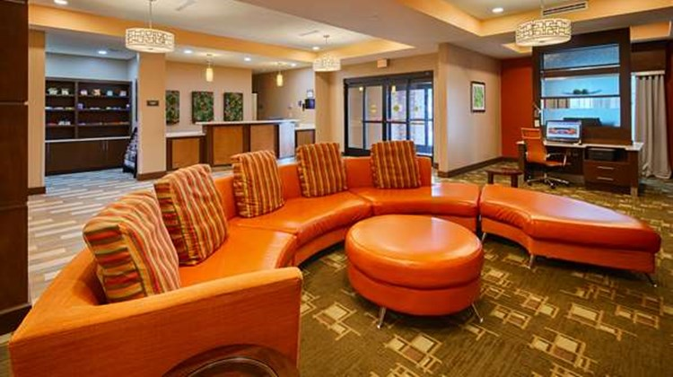 Best Western Plus Flatonia Inn Lobby