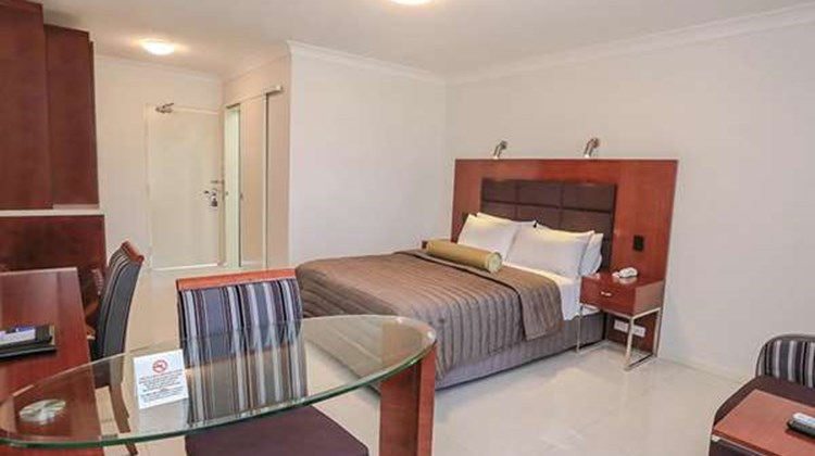 Best Western Casula Motor Inn Room