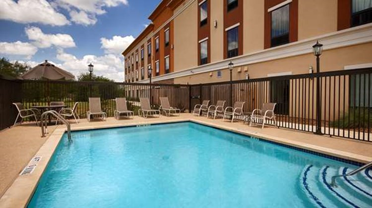 Best Western Plus Elmendorf Hotel Pool