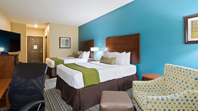 Best Western Plus Patterson Park Inn Room