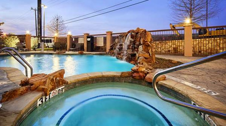 Best Western Plus DFW Airport W Euless Pool