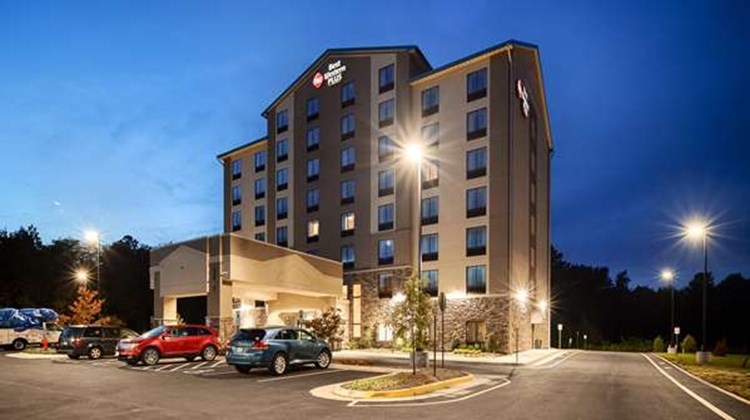 Best Western Plus Thornburg Inn & Suites Exterior