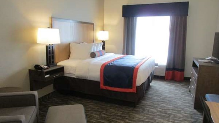 Best Western Plus Ardmore Inn & Suites Room